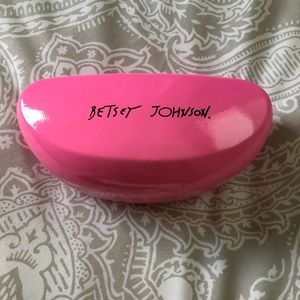 Betsy Johnson Bubblegum Pink Sunglass Case